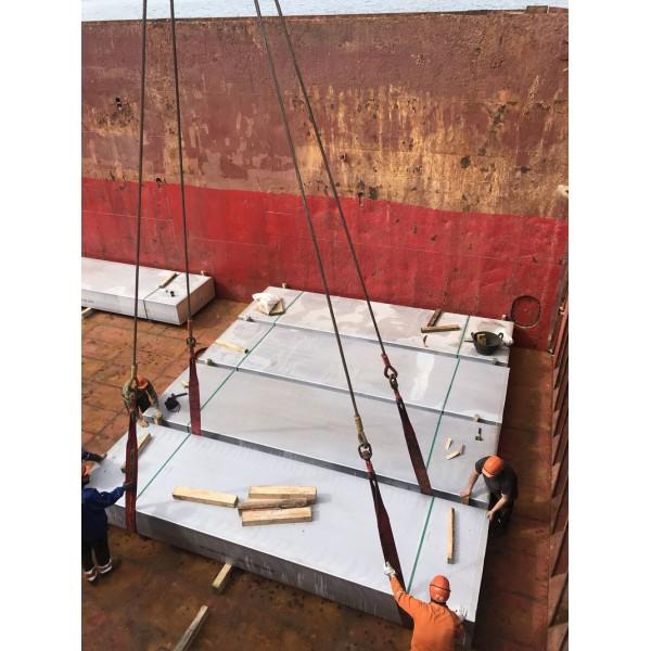Φόρτωση πλοίου με αλουμίνιο